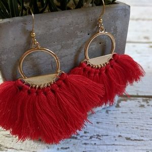 Jewelry - Red fanned fringe and gold earrings